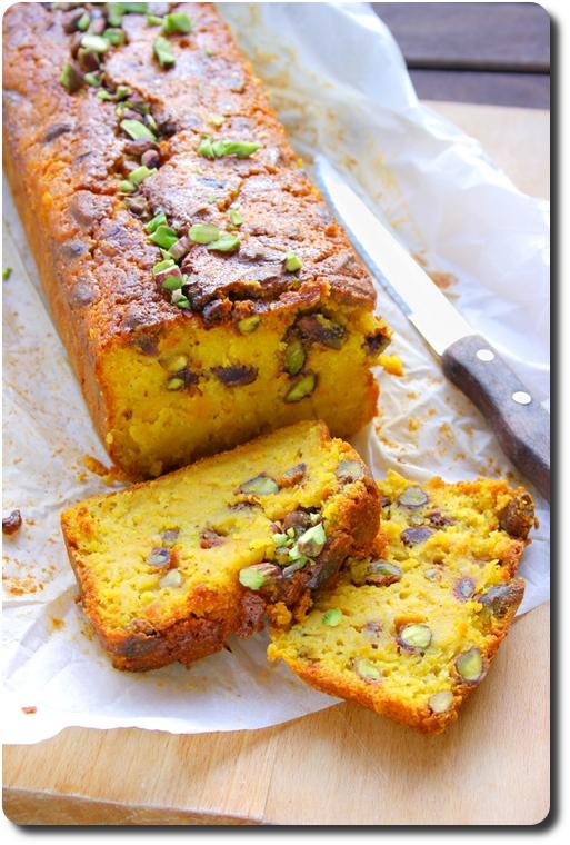 Cake d'hiver à la courge, mandarine et pistaches